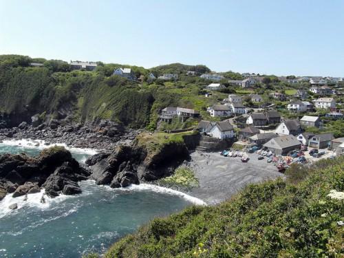 Cadgwith Beach